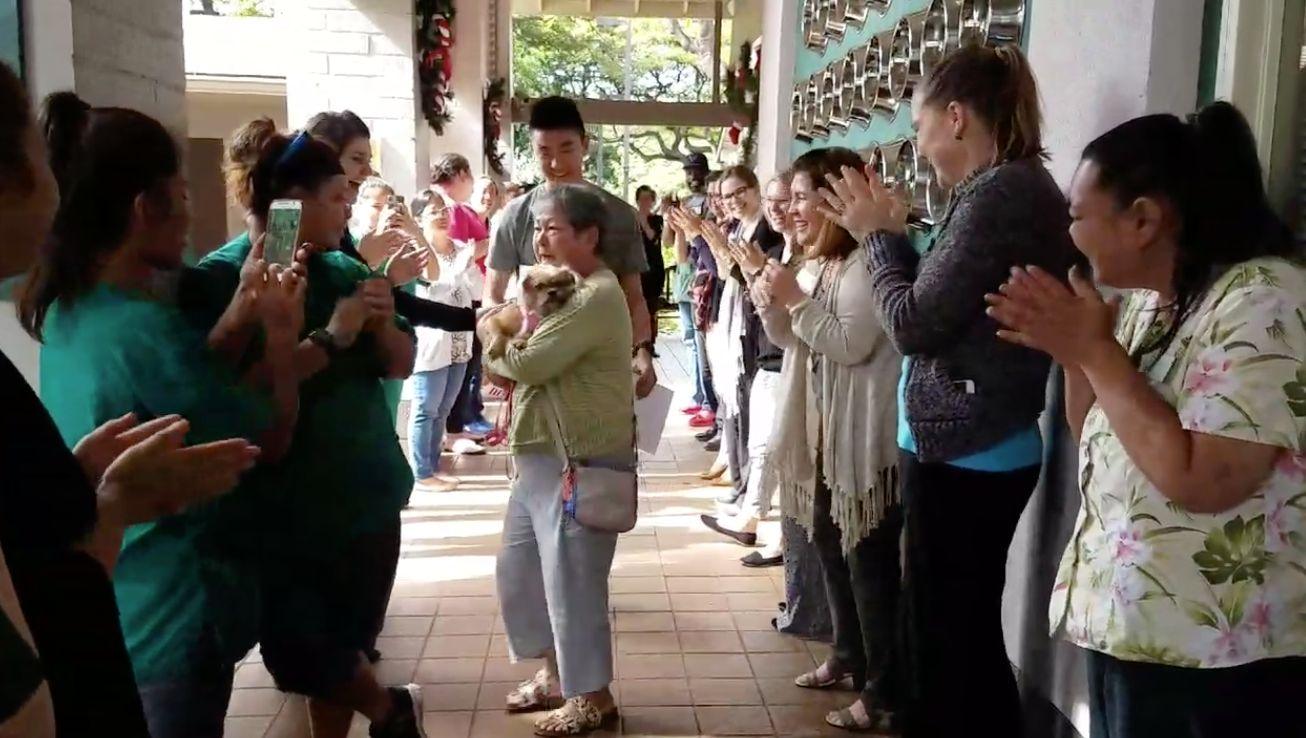 The Hawaiian Humane Society gives itsvery last shelter dog the warmest farewell.