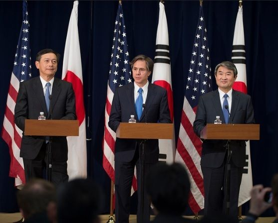 Deputy Secretary of State Tony Blinken leads the first U.S.-Korea-Japan deputy-level trilateral meeting, April 16, 2015