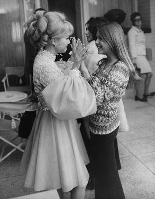 Carrie Fisher died on December 27, 2016. One day later her mother, Debbie Reynolds, followed her. Some say it was of a broken