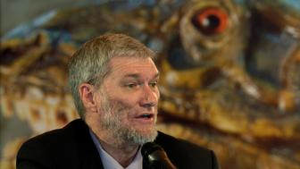 Ken Ham, president of the group Answers in Genesis that founded the Creation Museum speaks during a news conference at the museum in Petersburg, Kentucky, May 26, 2007. Like many modern museums, the newest U.S. tourist attraction includes some awesome exhibits -- roaring dinosaurs and a life-sized ship. But only at the Creation Museum in Kentucky do the dinosaurs sail on the ship -- Noah's Ark, to be precise.  REUTERS/John Sommers II (UNITED STATES)