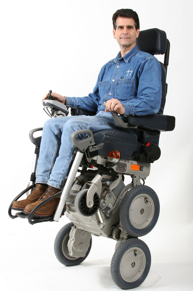 <strong>The iBot Dean Kamen's stair climbing wheel chair</strong>