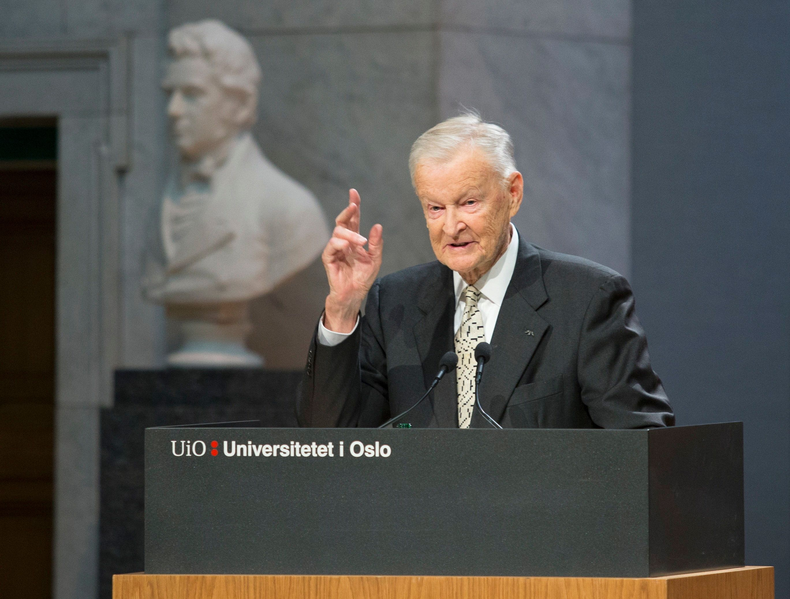 Former US National Security Advisor Zbigniew Brzezinski speaks at the Nobel Peace Prize Forum in Oslo December 11, 2016. / AFP / NTB Scanpix / Terje BENDIKSBY / Norway OUT        (Photo credit should read TERJE BENDIKSBY/AFP/Getty Images)