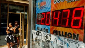 An electronic display shows the Powerball lottery jackpot in New York, U.S., July 30, 2016. REUTERS/Eduardo Munoz