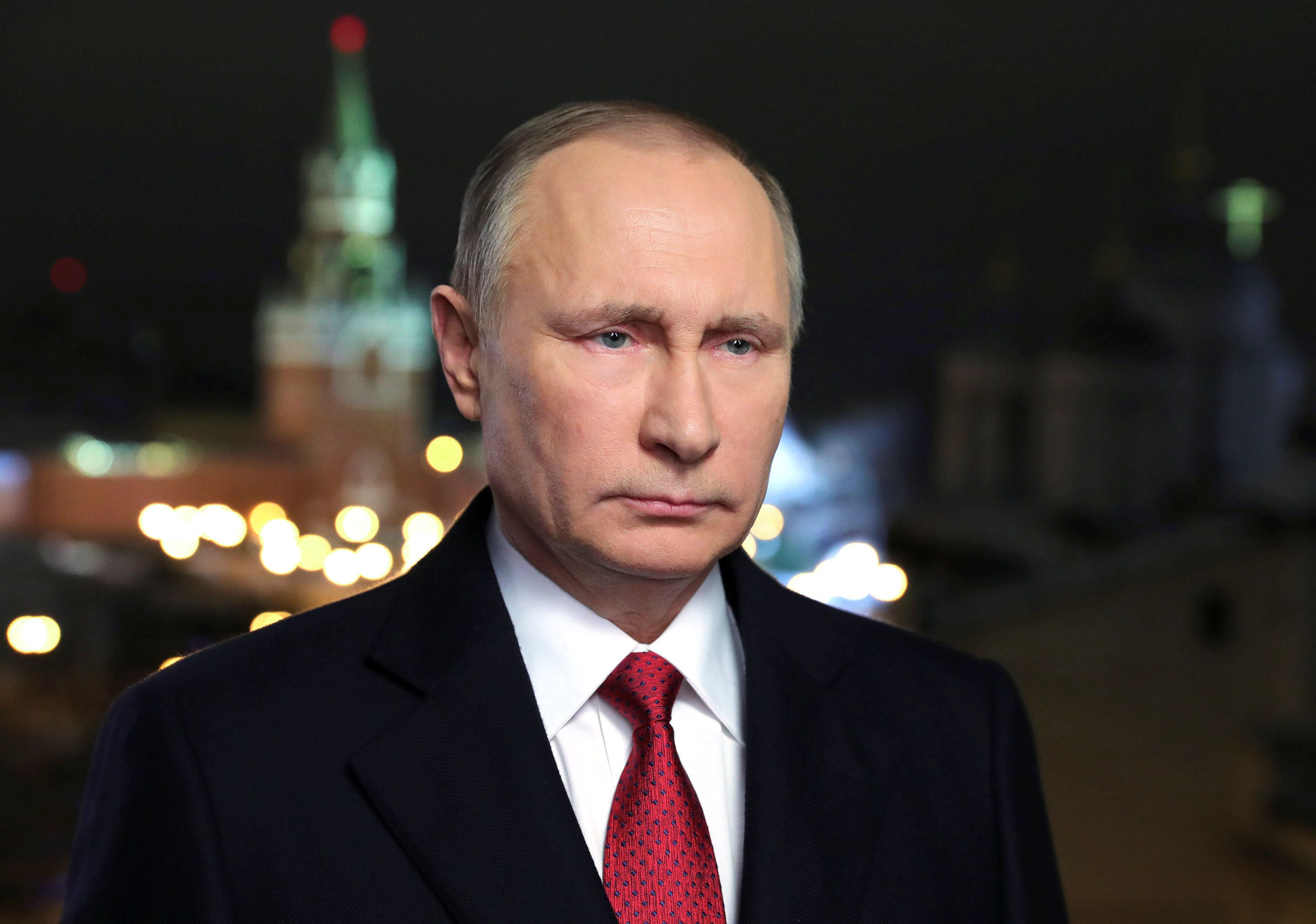 Russia's President Vladimir Putin makes his annual New Year address to the nation in Moscow, Russia, December 31, 2016. Sputnik/Mikhail Klimentyev/Kremlin via REUTERS ATTENTION EDITORS - THIS IMAGE WAS PROVIDED BY A THIRD PARTY. EDITORIAL USE ONLY.