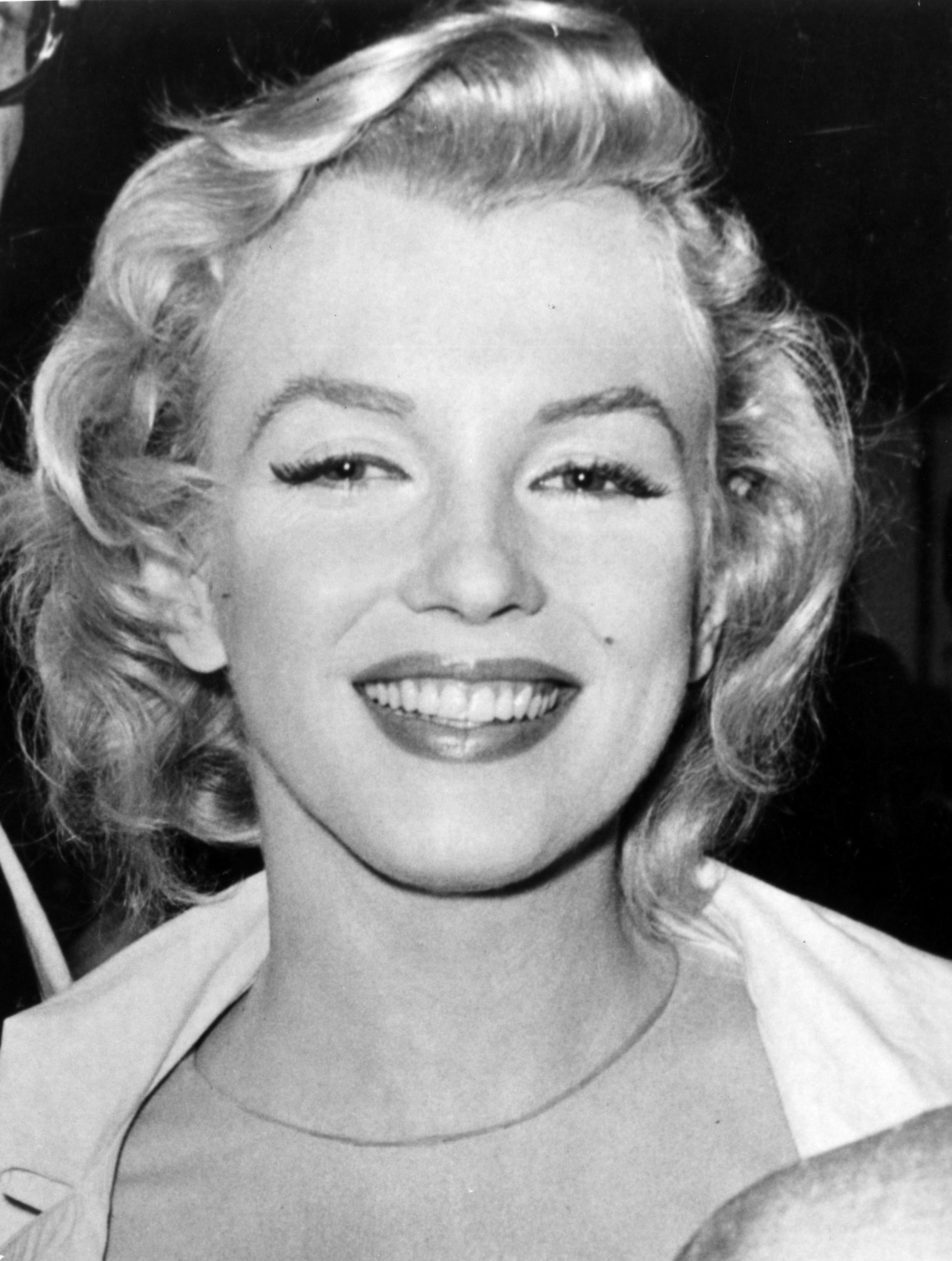 14th July 1956:  American film star Marilyn Monroe (Norma Jean Mortenson or Norma Jean Baker, 1926 - 1962).  (Photo by Evening Standard/Getty Images)