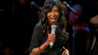 "Singer Natalie Cole sings at ""An Evening of SeriousFun Celebrating the Legacy of Paul Newman"" event in New York March 2, 2015. REUTERS/Lucas Jackson (UNITED STATES - Tags: ENTERTAINMENT)"