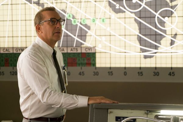 "Kevin Costner gets to be a good guy in ""Hidden Figures"" without succumbing to white-savior clichés. It's qui"