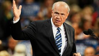 Former U.S. Sen. Fred Thompson of Tennessee speaks at the 2008 Republican National Convention in St. Paul, Minnesota, in this September 2, 2008 file photo.  Thompson, a former U.S. Senator and Republican presidential candidate, as well as a film and television actor, has died at age 73, the Nashville Tennessean reporter November 1, 2015. REUTERS/Rick Wilking/Files