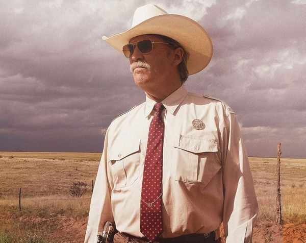 "Out of nowhere, the neo-Western ""Hell or High Water"" became 2016's <a href=""http://www.indiewire.com/2016/12/the-20-highest-g"