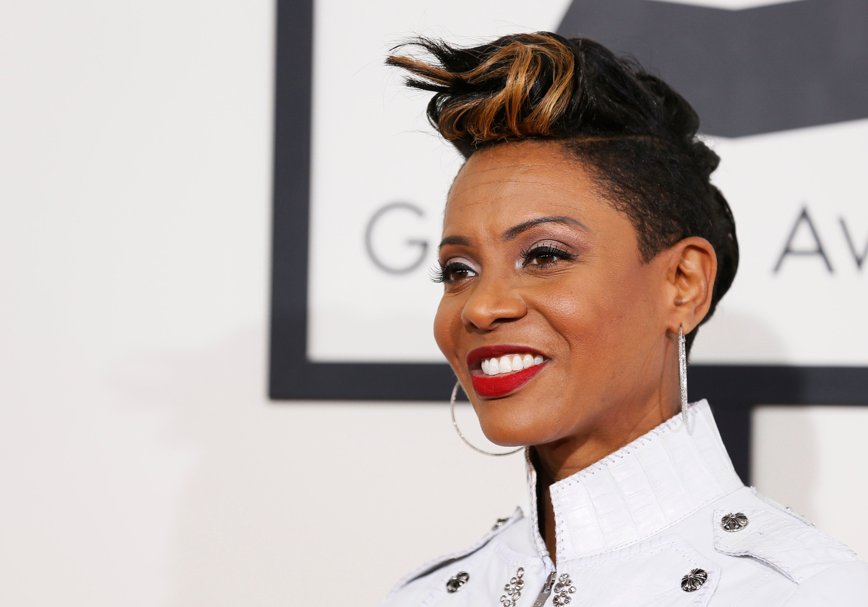 MC Lyte arrives at the 56th annual Grammy Awards in Los Angeles, California January 26, 2014.     REUTERS/Danny Moloshok (UNITED STATES TAGS: ENTERTAINMENT) (GRAMMYS-ARRIVALS)