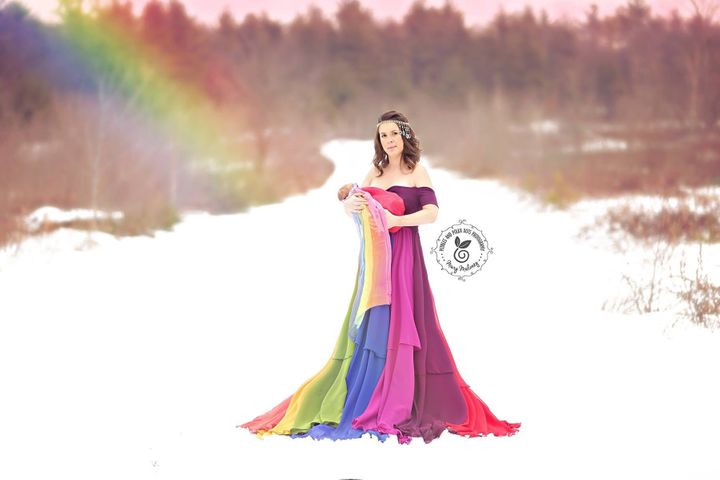 Jessica celebrated the arrival of her rainbow baby, a daughter, with another stunning photo.