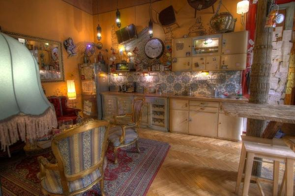 This vintage hangout'simpeccably outfitted kitchen looks like something out of a dream: Join in frequent Hungarian <a h