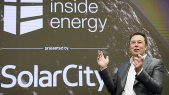 FILE PHOTO --  Elon Musk, Chairman of SolarCity and CEO of Tesla Motors, speaks at SolarCity?s Inside Energy Summit in Manhattan, New York October 2, 2015. SolarCity on Friday said it had built a solar panel that is the most efficient in the industry at transforming sunlight into electricity.    REUTERS/Rashid Umar Abbasi/File Photo