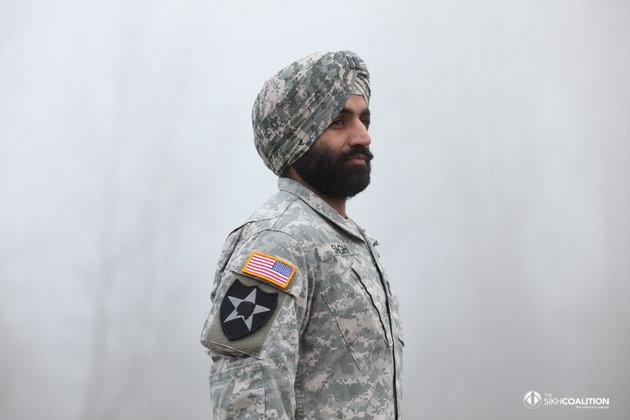 アメリカ陸軍、兵士のターバンやヒジャブ着用を認める。新しい規則発表に喜びの声