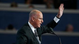 California Governor Jerry Brown speaks at the Democratic National Convention in Philadelphia, Pennsylvania, U.S. July 27, 2016.  REUTERS/Lucy Nicholson