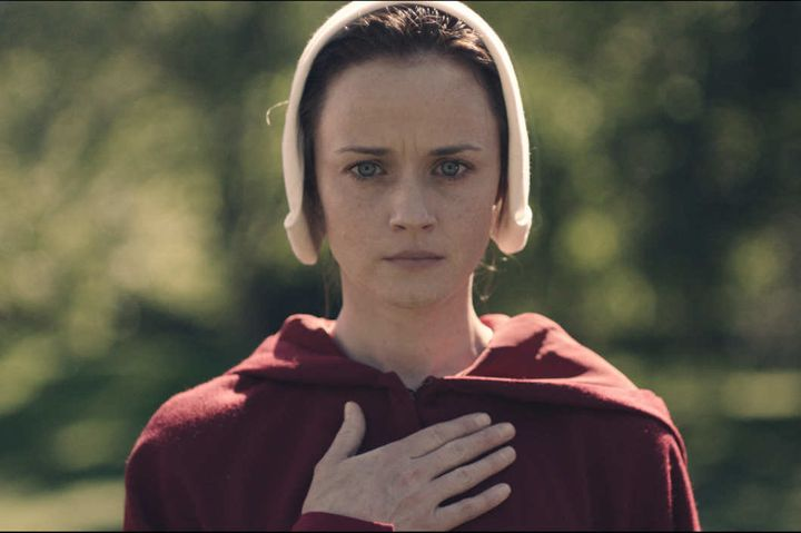 Alexis Bledel appears as a Handmaid in Hulu's adaption of <i>The Handmaid's Tale.</i>&nbsp;
