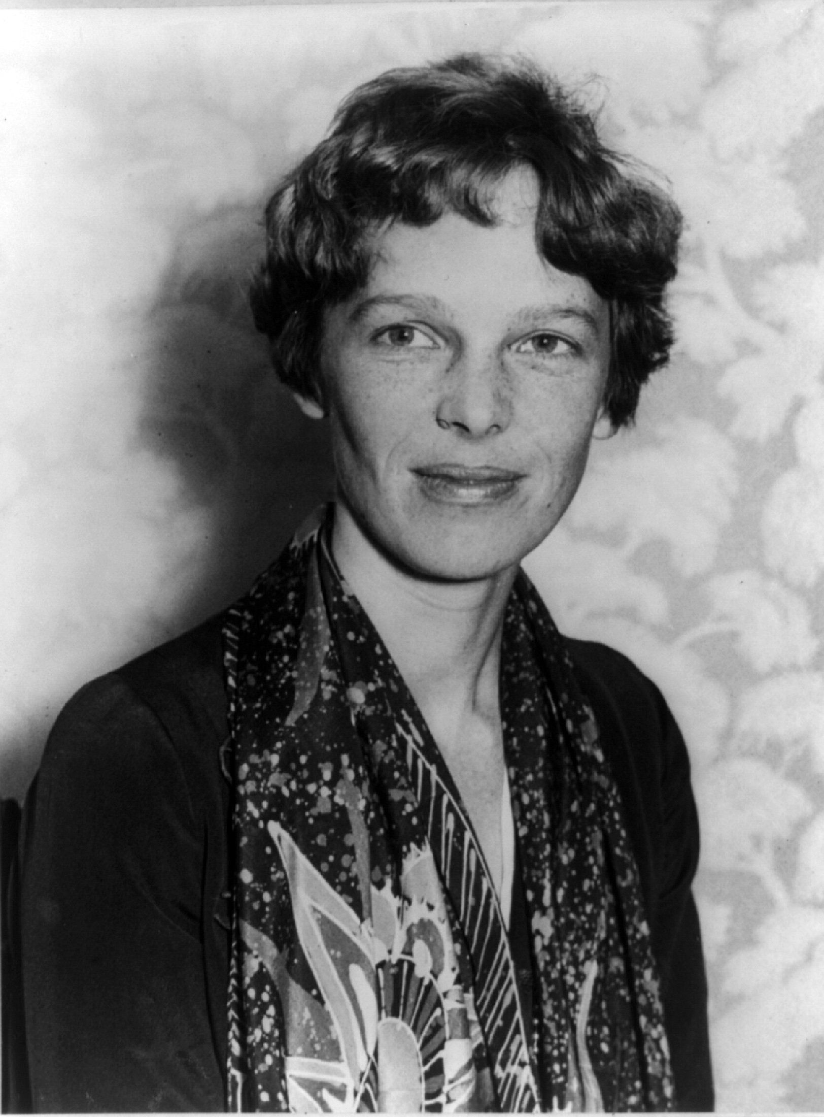 Renowned U.S. pilot Amelia Earhart is pictured in this 1928 photograph released on March 20, 2012. Scientists on March 20, 2012 announced a new search to resolve the disappearance of Earhart, saying fresh evidence from a remote Pacific island may reveal the fate of Earhart, who vanished in 1937 while attempting to circle the globe. REUTERS/Library of Congress/Handout (UNITED STATES - Tags: TRANSPORT SOCIETY HEADSHOT) FOR EDITORIAL USE ONLY. NOT FOR SALE FOR MARKETING OR ADVERTISING CAMPAIGNS. THIS IMAGE HAS BEEN SUPPLIED BY A THIRD PARTY. IT IS DISTRIBUTED, EXACTLY AS RECEIVED BY REUTERS, AS A SERVICE TO CLIENTS