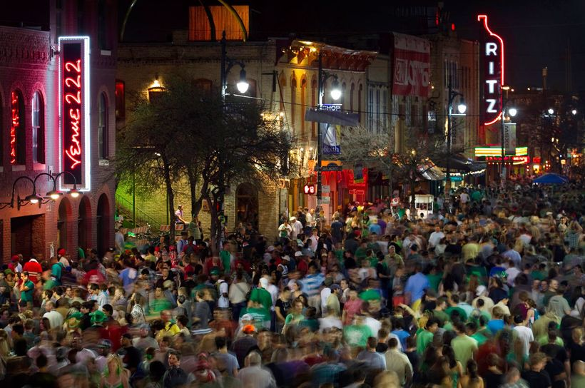 6th Street Entertainment District, Austin, Texas.