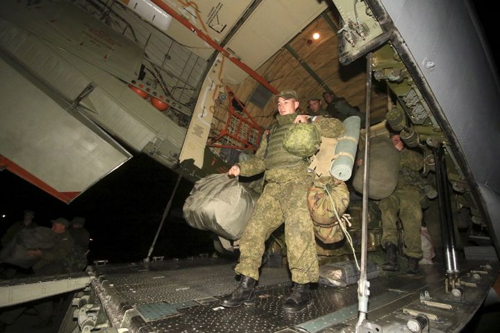 Russia has started to drawdown its forces in Syria, as promised under the terms of a ceasefire deal.