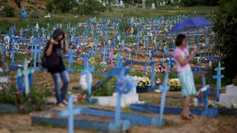 A general view of the cemetery of Taruma during a funeral of one of the inmates who died after a prison riot, in Manaus, Brazil, January 4, 2017. REUTERS/Ueslei Marcelino