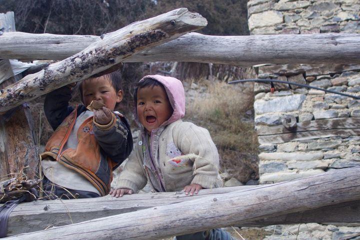 <p>Two Nepalese children in the village of Braga, Nepal</p>