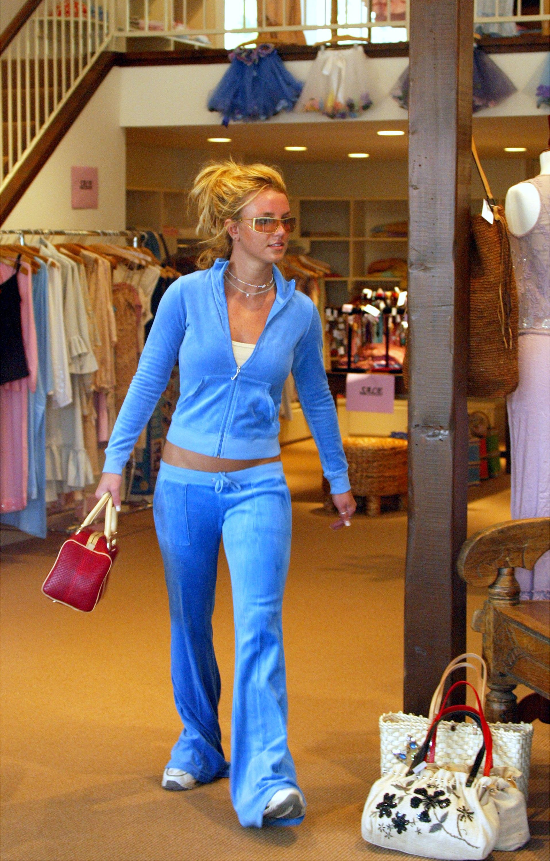 HOLLYWOOD, CA - February 14:   Musician Britney Spears shops in Calypso at the Sunset Plaza on February 14, 2003 in Hollywood, California.  (Photo by Frazer Harrison/Getty Images)