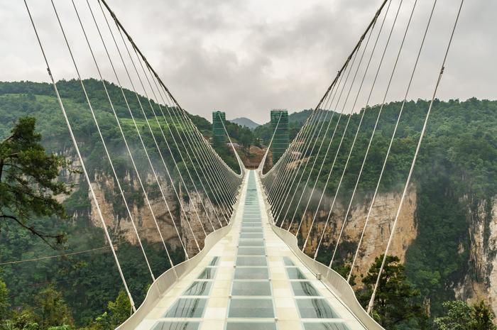 <p> <strong>Zhangjiajie Grand Canyon Glass Bridge, China</strong> </p>