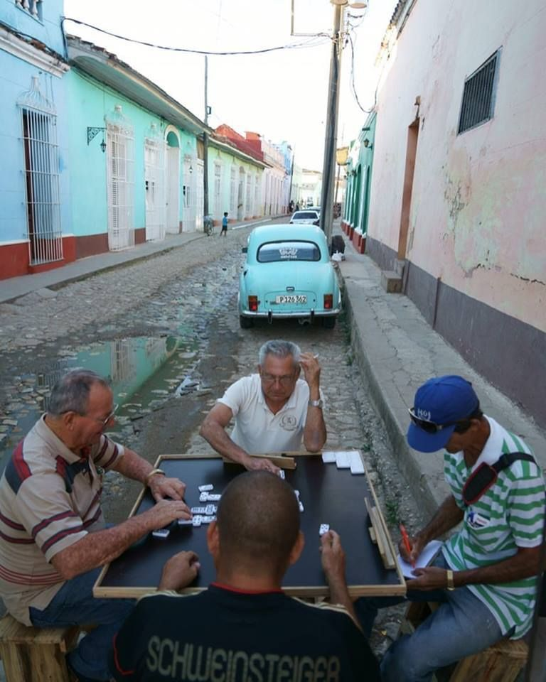 ¡Feliz año neuvo de Cuba! 🇨🇺💫🎉. Happy New Year from Cuba!!! Let the world get on the path of coming together as one in 2017 a