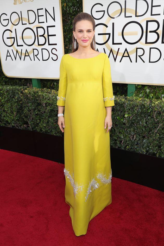 Natalie Portman Makes A Bold '60s Statement At The 2017 Golden