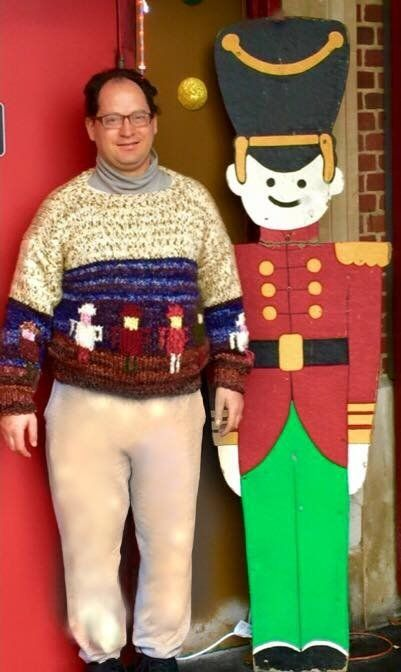 Man Knits Spectacular Jumpers Featuring Famous Landmarks To Wear On His