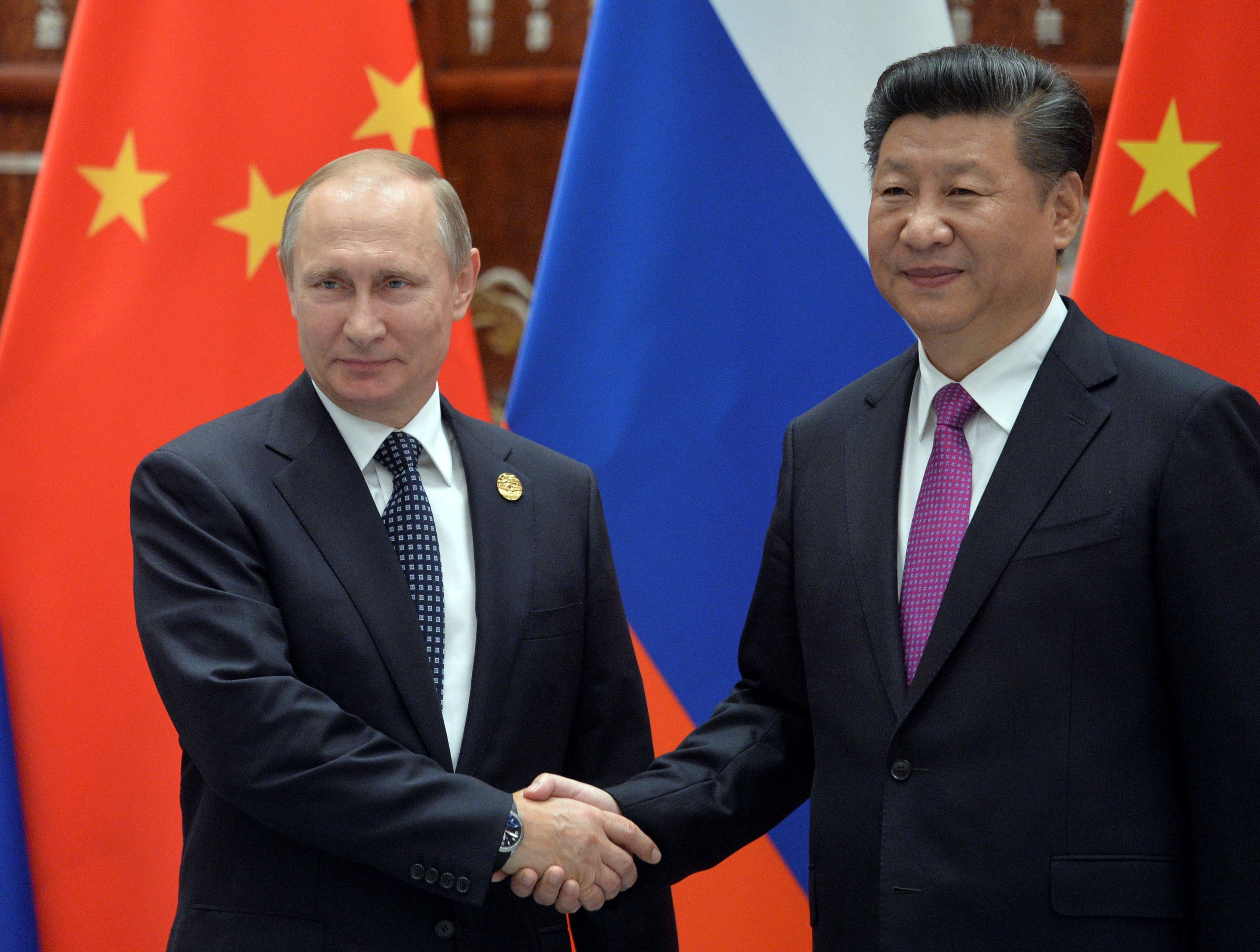 Russian President Vladimir Putin meets with his Chinese counterpart Xi Jinping at the G20 Summit. Hangzhou, China. Sept. 4, 2