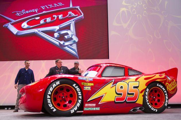 Disney Pixar S Cars 3 Unveils Life Size Lightning Mcqueen