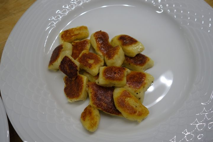 <p>Browned gnocchi waiting for the rest of dinner</p>