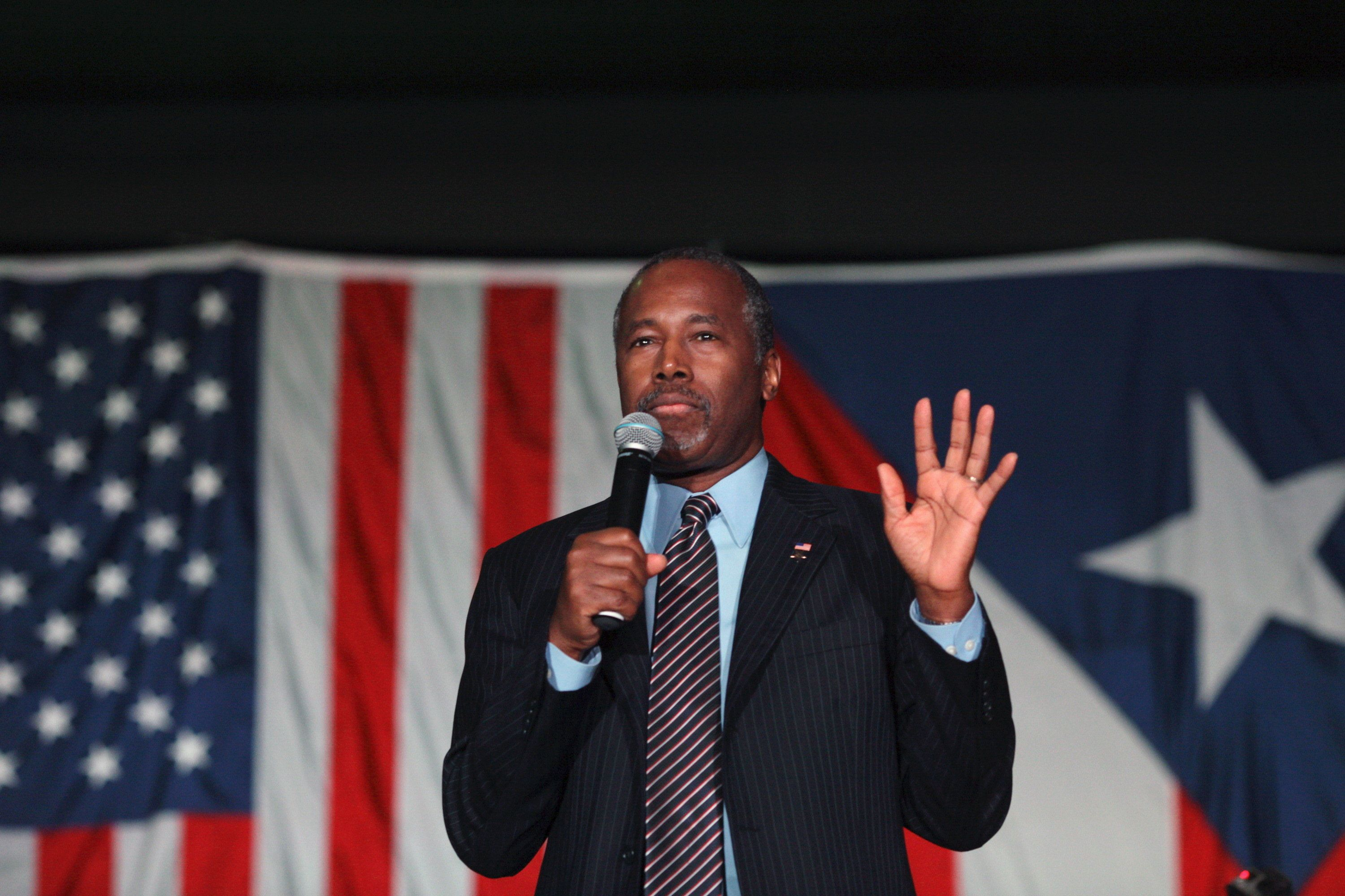 U.S. Republican presidential candidate Ben Carson gives a speech at a 'Building the New Puerto Rico' event in Fajardo, Puerto Rico, November 8, 2015. Carson said he supports Puerto Rico becoming the 51st U.S. state in Fajardo on Sunday. REUTERS/Alvin Baez