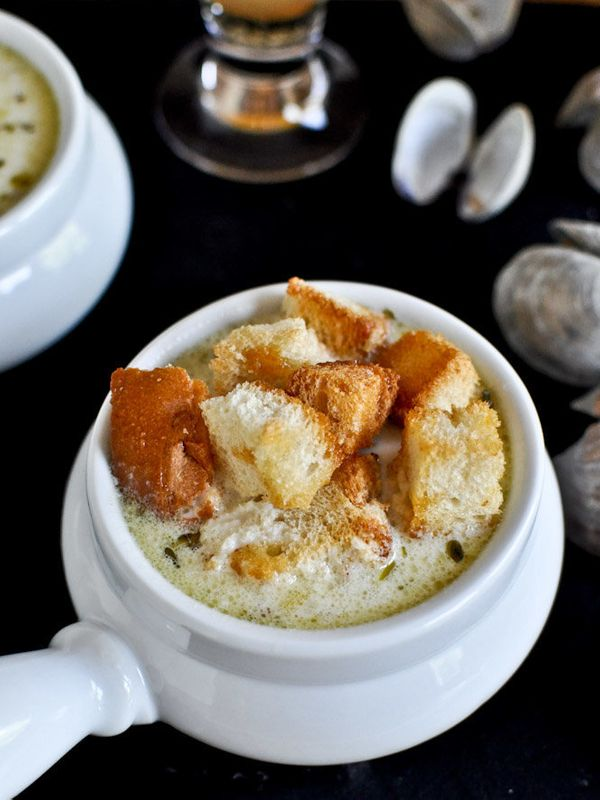 """<strong>Get the <a href=""""http://www.howsweeteats.com/2012/07/fresh-new-england-clam-chowder-with-brown-butter-garlic-croutons"""