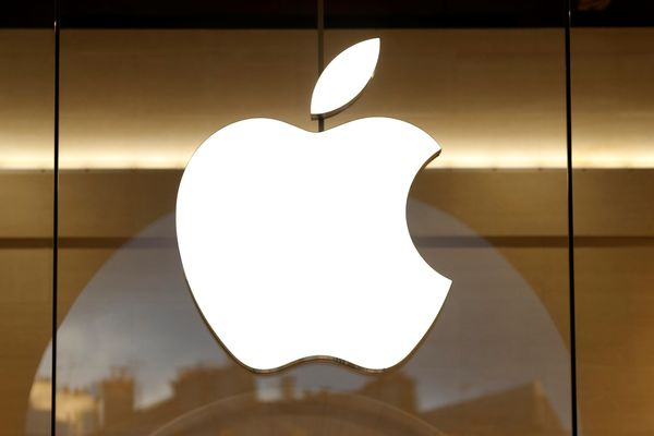 """<a href=""""http://www.bloomberg.com/news/articles/2015-07-20/apple-said-to-lease-office-space-in-seattle-tower"""">Source</a>."""
