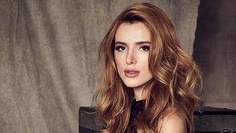 FAMOUS IN LOVE - Freeform's 'Famous in Love' stars Bella Thorne as August. (Nino Munoz/Freeform via Getty Images)