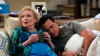CROWDED -- 'The Fixer' Episode 110 -- Pictured: (l-r) Betty White as Sandy, Patrick Warburton as Mike -- (Photo by: Vivian Zink/NBC/NBCU Photo Bank via Getty Images)