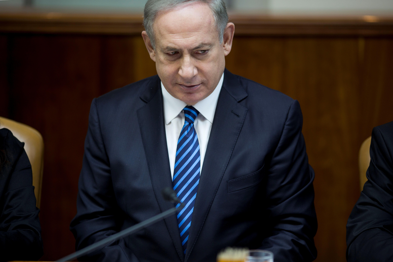 Israeli Prime Minister Benjamin Netanyahu attends the weekly cabinet meeting at his office in Jerusalem December 11, 2016. REUTERS/Abir Sultan/Pool