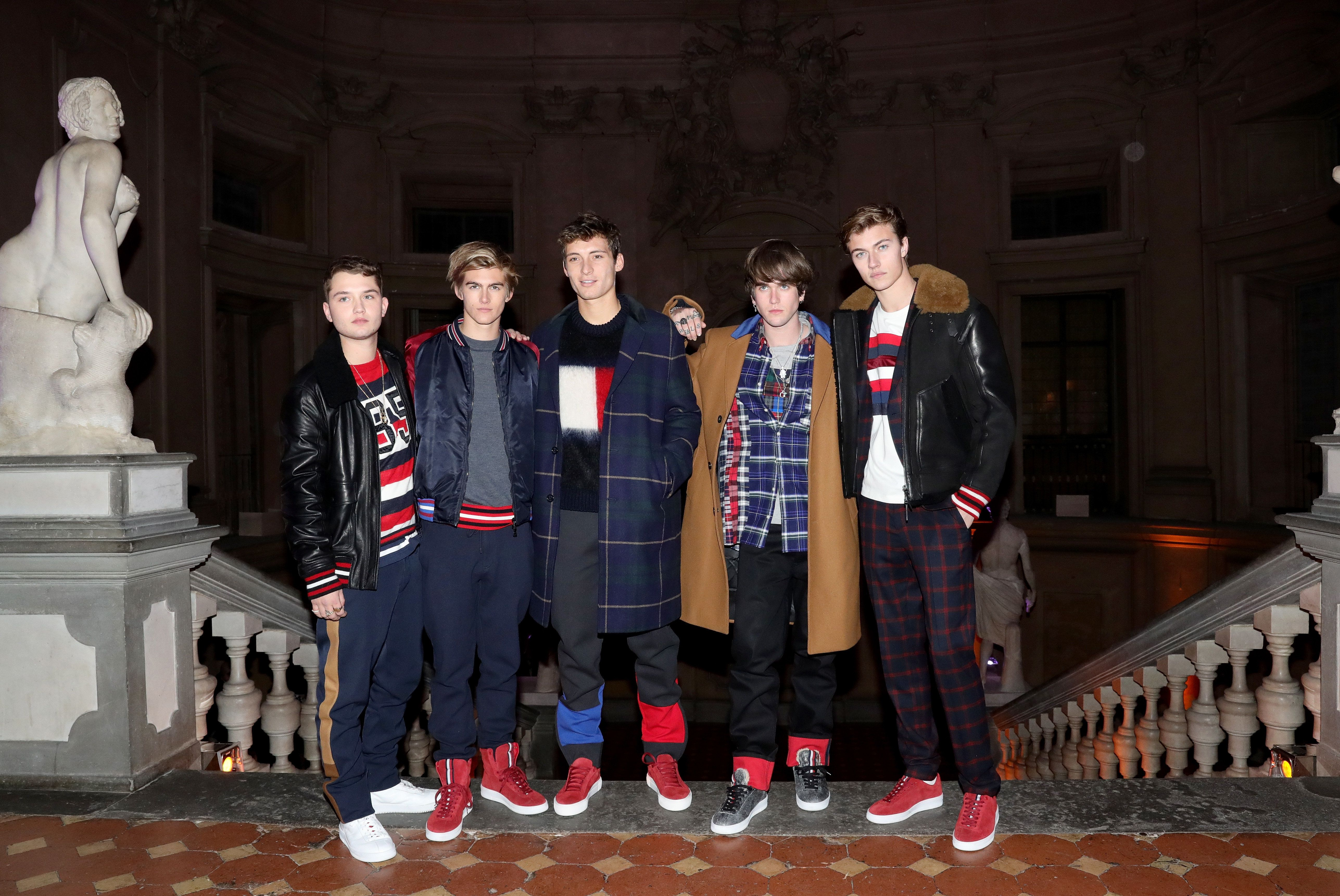 Jude Law, Cindy Crawford And Daniel Day-Lewis' Sons Model For Tommy