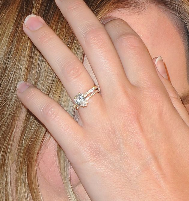 Margot Robbie Flashes Her Gorgeous Wedding Rings On The Red