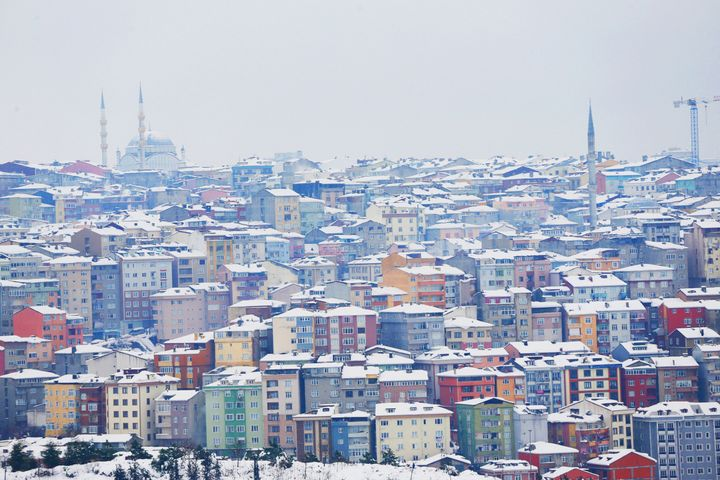 """As snow fell, Istanbul became a """"La La Land."""""""