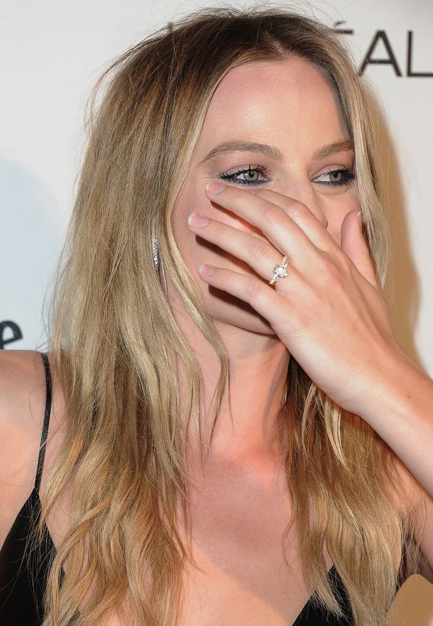 Margot Robbie Wedding.Margot Robbie Gives Fans A Closer Look At Her Wedding Ring