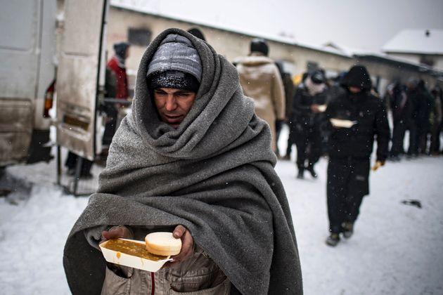 ヨーロッパを襲う寒波で、難民が危機的状況に 死者65人(画像)