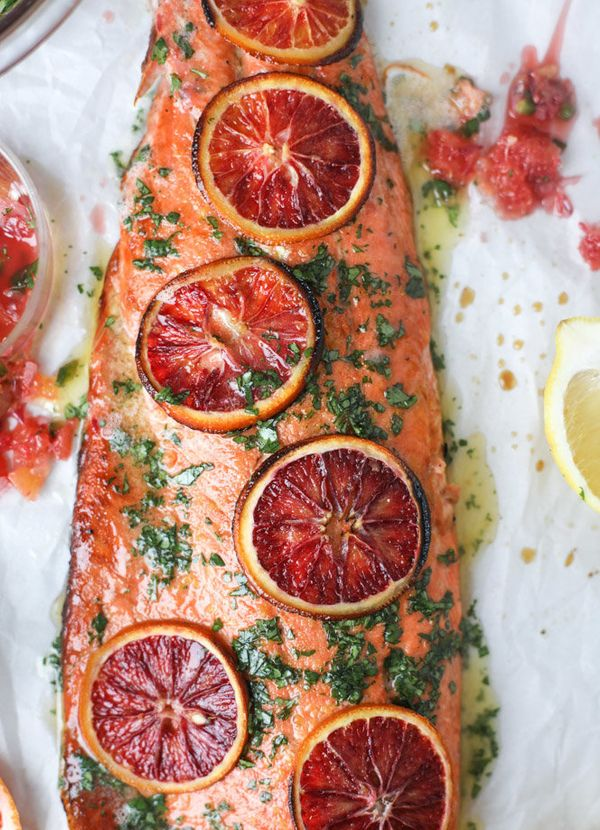 "<strong>Get the <a href=""http://www.howsweeteats.com/2017/01/winter-citrus-butter-salmon/"" target=""_blank"">Winter Citrus Butt"
