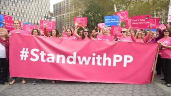 MANHATTAN, NEW YORK CITY, NEW YORK, UNITED STATES - 2015/09/29: Activists hold Planned Parenthood banner in Foley Square. Activists and directors of Planned Parenthood, NYC, gathered in Foley Square along NYC first lady Chirlane McCray and elected representatives to demonstrate support for the organization. (Photo by Andy Katz/Pacific Press/LightRocket via Getty Images)