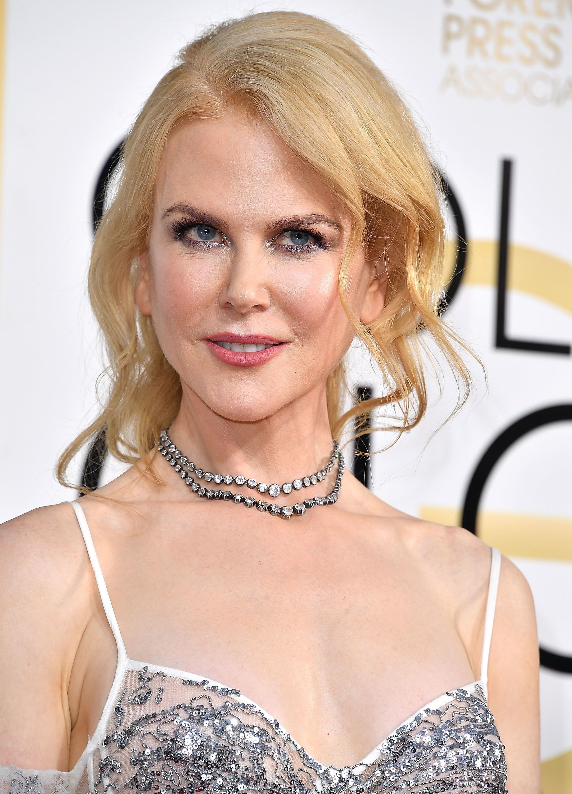 Nicole Kidman arrives at the 74th Annual Golden Globe