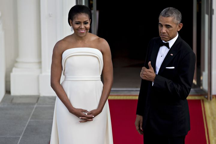 "Thumbs up to this killer <a href=""http://www.huffingtonpost.com/entry/michelle-obama-state-dinner-dress-thumbs-up_us_57a"