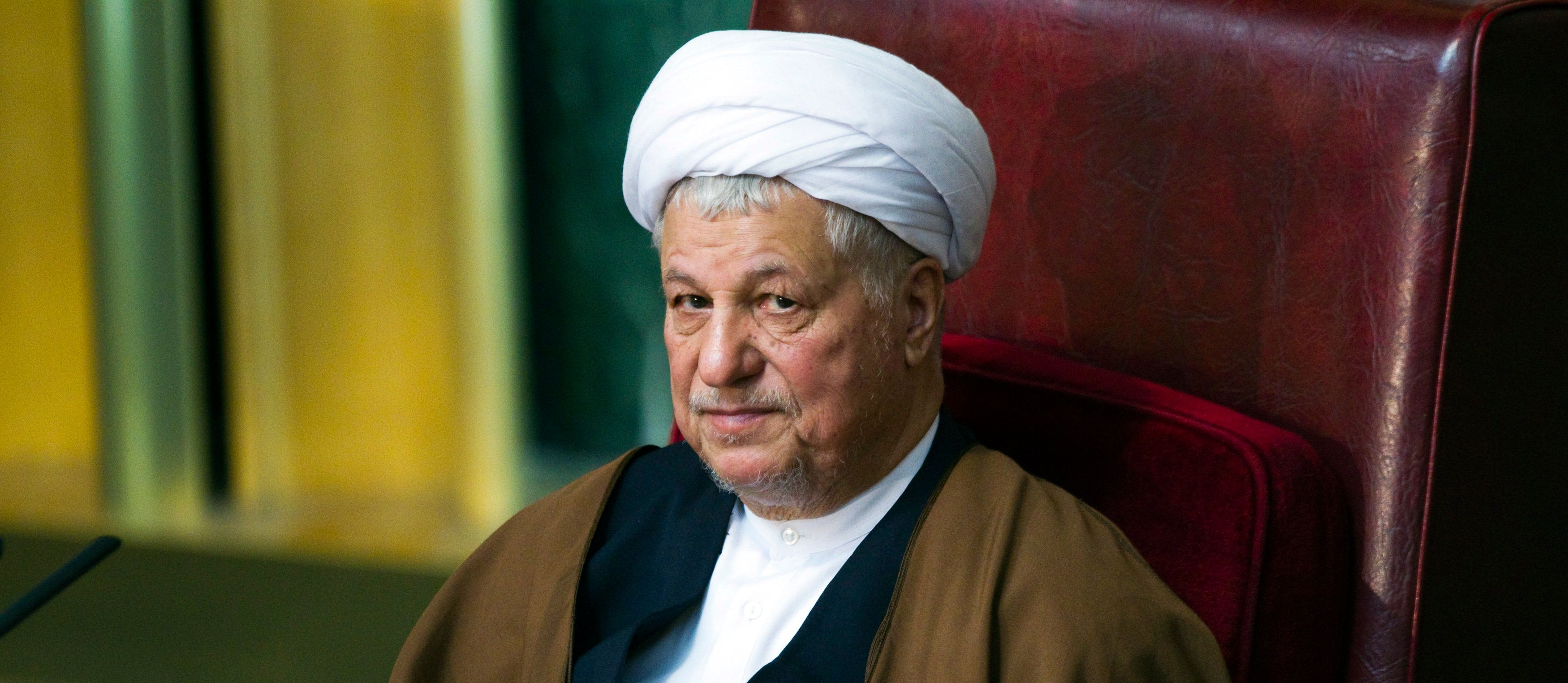 EDITORS' NOTE: Reuters and other foreign media are subject to Iranian restrictions on leaving the office to report, film or take pictures in Tehran.  Former Iranian president Akbar Hashemi Rafsanjani attends Iran's Assembly of Experts' biannual meeting in Tehran March 8, 2011. Rafsanjani lost his position on Tuesday as head of an important state clerical body after hardliners criticised him for being too close to the reformist opposition.   REUTERS/Raheb Homavandi (IRAN - Tags: POLITICS)