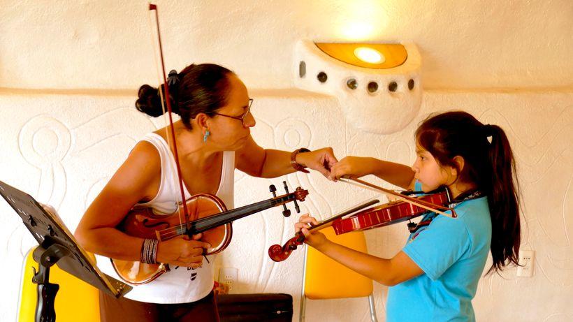 Violin class at the Toki School